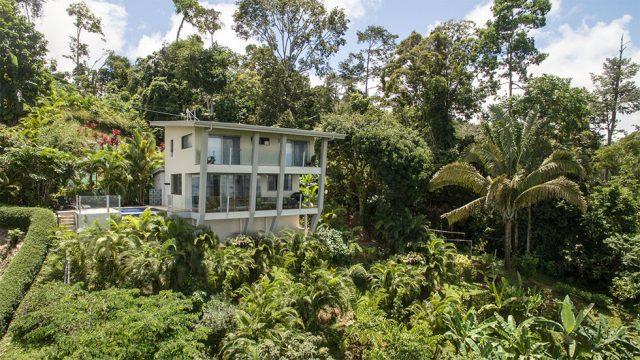 Home in Uvita with Lush Jungle Setting