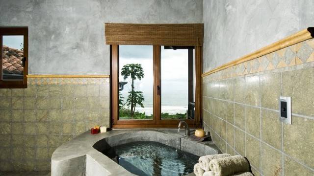 Relaxing Master Bath