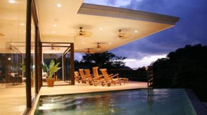 4 Bedroom Luxury Beach Home at Manuel Antonio National Park