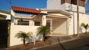 Three Bedroom Home in Alajuela Minutes From the Airport