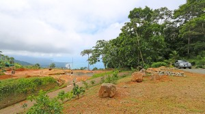 Large Home Site In An Exclusive Dominical Mountain Community