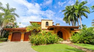 Luxury Home In The Upscale Las Olas Community Of Dominical