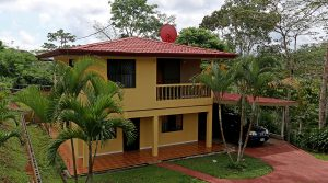 Affordable Home With Fruit Trees And Fenced Yard Near San Isidro