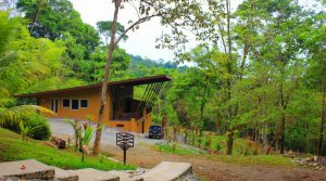 Affordable Home Nestled In The Rainforest Close To The Town Of Uvita
