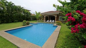 Beachfront Vacation Home With Pool In Playa Hermosa