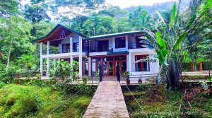 Rainforest Retreat Near Waterfall in Escaleras Area of Dominical