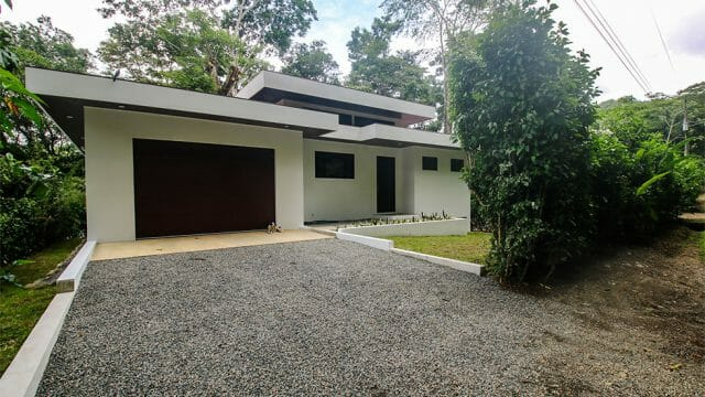 Modern Home in Dominical