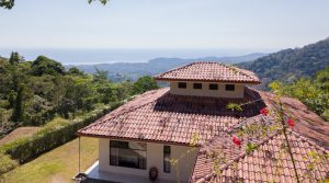 Cool Mountain Home With Spectacular Ocean Views in Ojochal