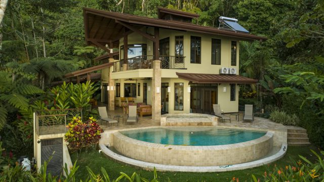 Beautiful Luxury Home Above Dominicalito Bay