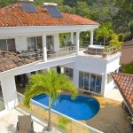 Prime income producing property in Jaco