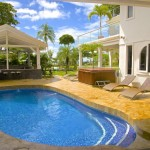 Outdoor Grill and Lounge in Jaco