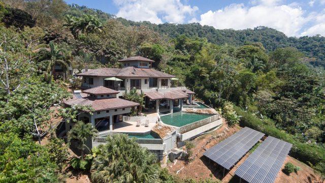 Dominical Estate Home In Escaleras