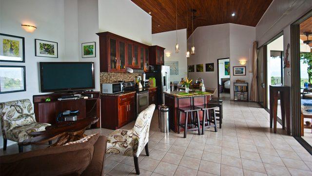 Furnished Home Near Guapil Beach