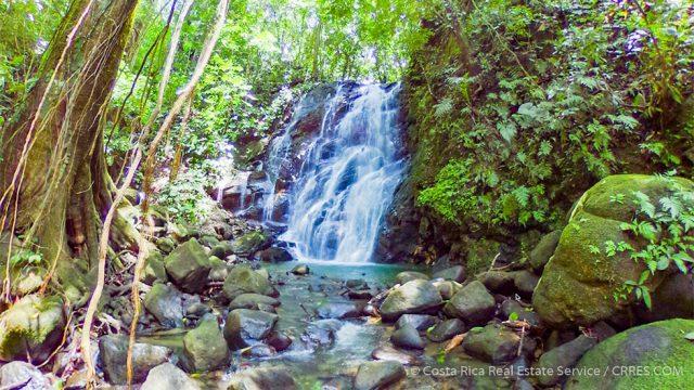 Poza Azul Waterfall