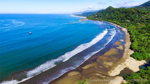 Development Property within walking distance to the beach in Costa Rica