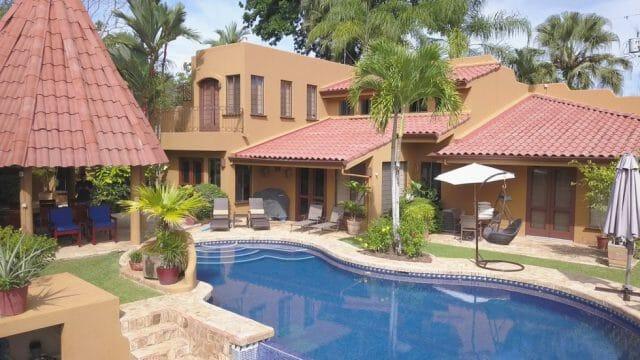 Luxury Estate Lagunas