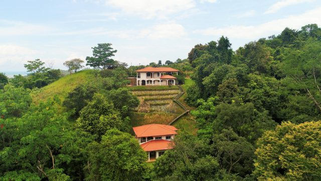 Bed and Breakfast Style Property in Ojochal