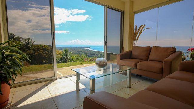 Ocean View Home in Uvita
