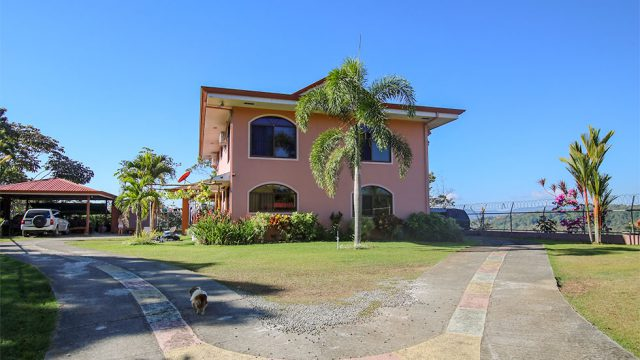 2 Story Home in Miraflores