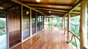 Hardwood Cabin in a Organic Community Farm near Tinamastes