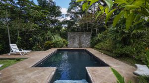 Home with Magnificent Gardens and Natural Creeks Near Dominical