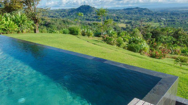 Gorgeous Infinity Pool