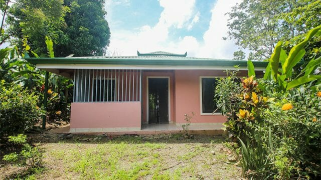 Home in Downtown Uvita