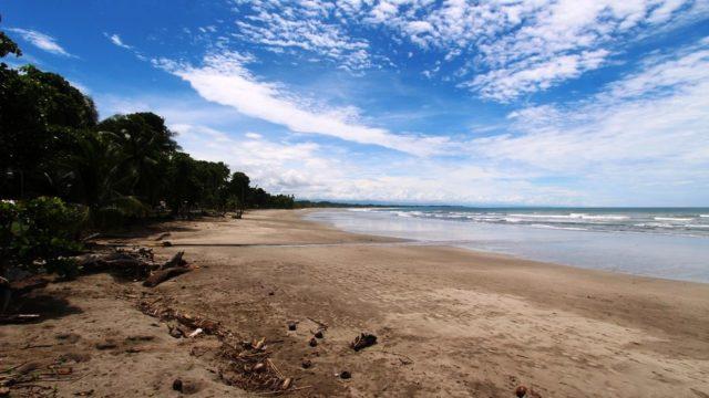 Steps From Playa Esterillos