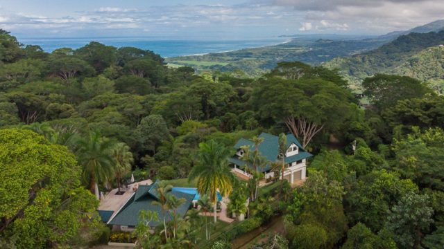 Tropical Estate in Lagunas