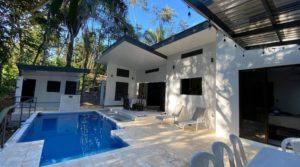 Contemporary Home Underneath the Jungle Canopy in Uvita